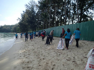 Sustainability in Project Management overflows into clearing up the beaches
